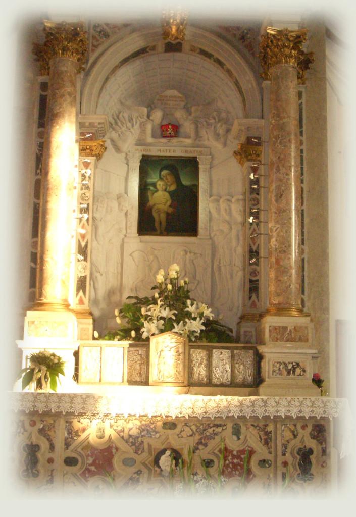 altare-madonna-per-preghiere-copia-705x1024